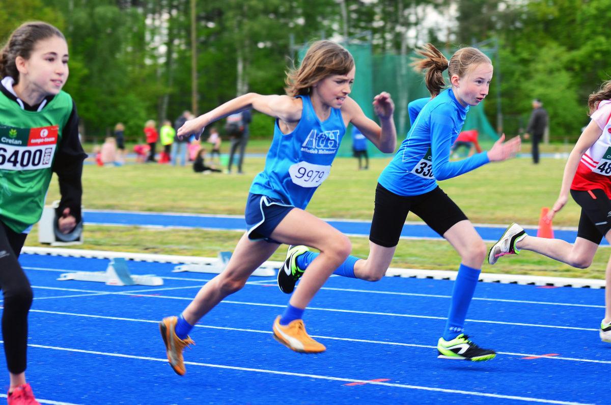 Anouk sprint in en op het blauw in Hechtel