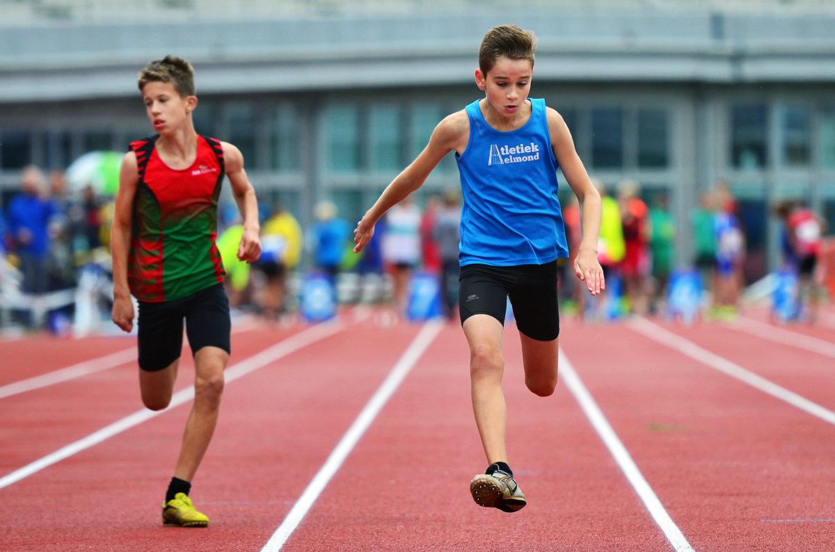 Ian sprint naar de halve finale