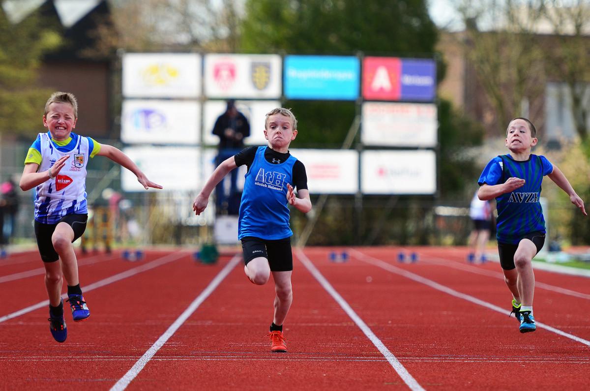 Abel op weg naar een 2e plaats op de 60 meter in Merksem.